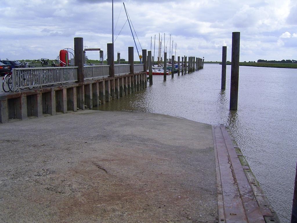 Start im Hafen Petkum
