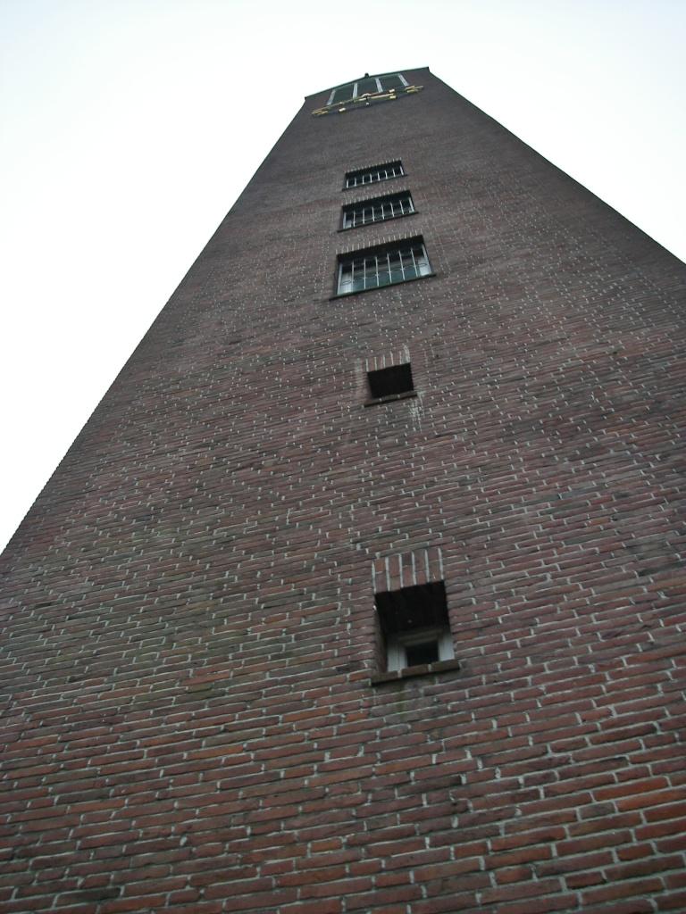 Turm der Martin-Luther-Kirche (50 m).